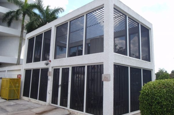 Outdoor Oxygen Security Building